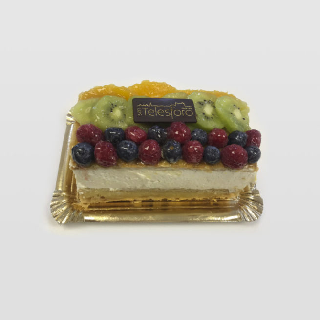 Tarta Milhojas de Nata, Crema y Frutas