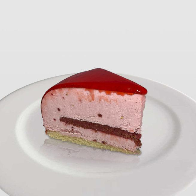 Tarta de Mousse Semifrío de Frambuesas con Corazón Crujiente de Frutos del Bosque
